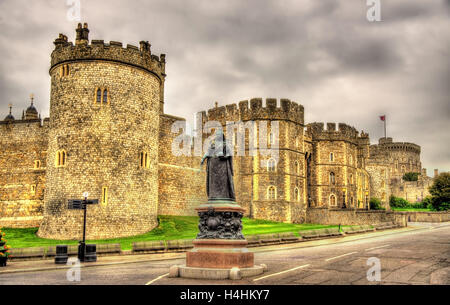 Statue of Queen Victoria in front of Windsor Castle - England - Stock Photo