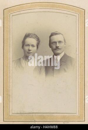 Portrait of a woman and a man with a pince-nez, M. Buttinghausen c. 1873 - c. 1895, M. Büttinghausen, c. 1873 - - Stock Photo