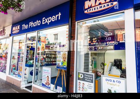 Max Spielmann shop front photo expert experts store front exterior photo printers photos UK GB England - Stock Photo