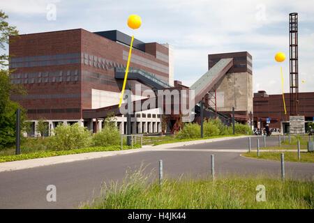 Yellow balloons, Schachtzeichen, mine shaft signs, Ruhr 2010, art installation, visitors' centre, Zeche Zollverein - Stock Photo