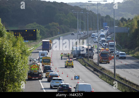 Lorry crashed into the central reservation on the m1 motorway between j23 and j23a causing tailbacks both north - Stock Photo