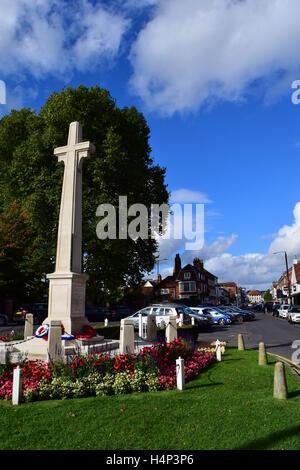 War memorial and view down Marlow high street, Buckinghamshire - Stock Photo
