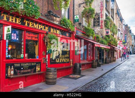 The Temple Bar pub Temple Bar Dublin Ireland Europe EU - Stock Photo