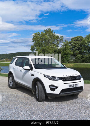 dh Discovery Sport LAND ROVER UK Land Rover Discovery SUV 4x4 car white landrover Scotland - Stock Photo