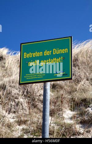 Prohibition sign, 'Betreten der Duenen nicht gestattet', German for 'keep off the dunes', Wadden Sea National Park - Stock Photo