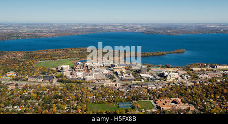 An aerial view of Madison, Wisconsin,  the UW Hospital and VA Hospital complex, surrounded by Lakes Mendota (above) - Stock Photo