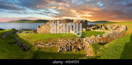The Broch of Gurness is a rare example of a well preserved brooch village. Dating from 500 to 200BC the central - Stock Photo