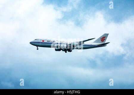 Air China Boeing 747-89L B-2482 landing at San Francisco International Airport (SFO) - Stock Photo