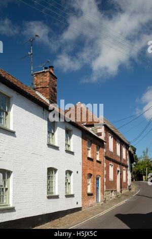UK, England, Wiltshire, Salisbury Plain, Market Lavington, Parsonage Lane, cottages - Stock Photo