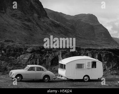 MG Magnette ZA 1955 with 1954 Pipit caravan - Stock Photo