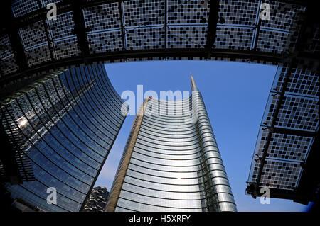 Piazza Gae Aulenti in Milan, in the new Porta Nuova district. - Stock Photo