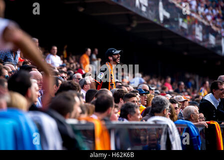 Valencia, Spain. 22nd October, 2016. The supporters at the La Liga match between Valencia CF and FC Barcelona at - Stock Photo