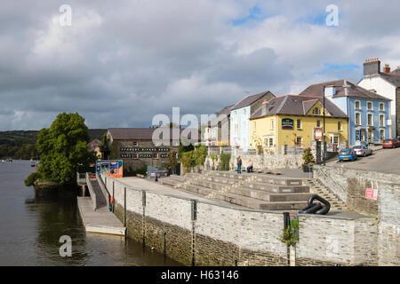 The old port quay on Afon Teifi River. Cardigan (Aberteifi), Ceredigion, Wales, UK, Britain - Stock Photo