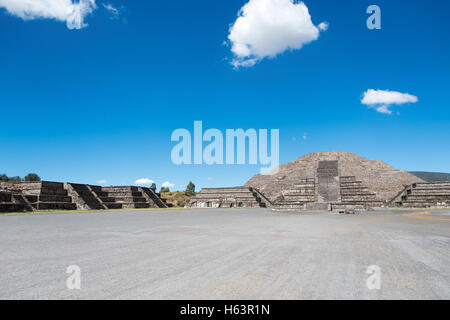 The Pyramid of the Moon is the second largest pyramid in San Juan Teotihuacan, Mexico, after the Pyramid of the - Stock Photo