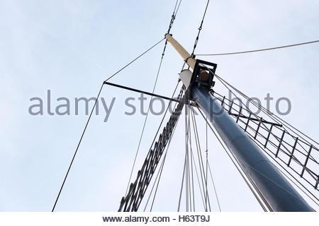 Kajama cruise detail. Low angle upwards shot of an sail ship mast. The ship operates in Lake Ontario. - Stock Photo