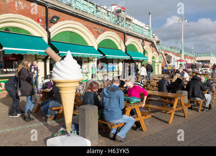 seaside shop ice cream shop parlour ices lollies stock photo 59401477 alamy. Black Bedroom Furniture Sets. Home Design Ideas