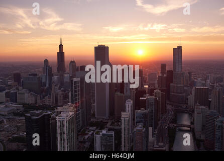 USA, Illinois, Aerial photograph of downtown Chicago in the early evening - Stock Photo