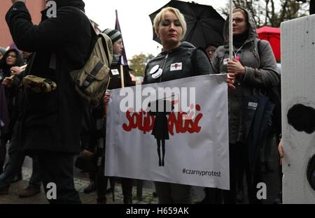 Gdansk, Poland. 24th Oct, 2016. Few houndreds people protested in Gdansk in front of pro-government trade union - Stock Photo