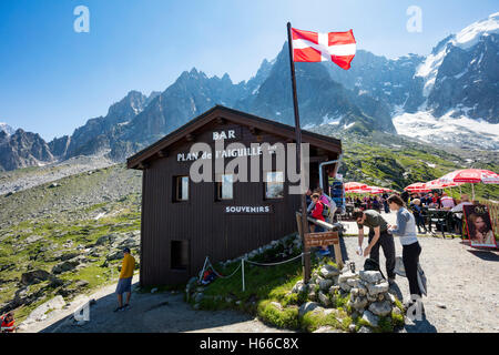 Plan d'Aiguille mountain restaurant, Chamonix Valley, French Alps, France. - Stock Photo