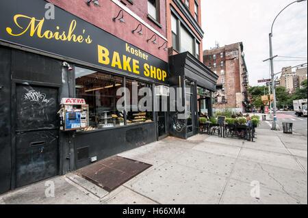 Moishe´s kosher Bake Shop, St. Marks, 2nd Avenue, East 7th Street, East Village, Manhattan, New York City - Stock Photo