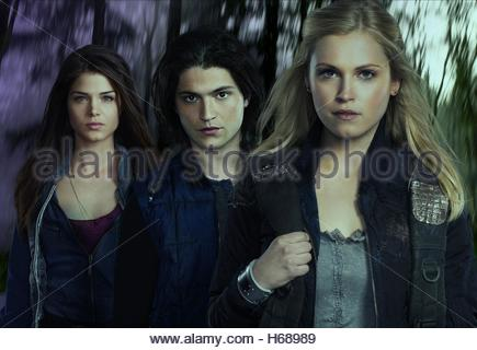 MARIE AVGEROPOULOS BOB MORLEY & ELIZA TAYLOR THE HUNDRED; THE 100 (2014) - Stock Photo