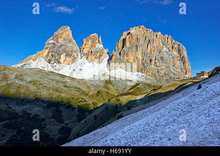 Sassolungo Mountain range, 3081m high, from the Sella Pass between the Val Gardena and Val di Fassa, the Western - Stock Photo