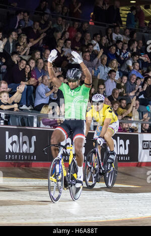 London, UK  25th October, 2016.  Trinidadian Njisane Phillip took 1st place in the keirin race. Cyclists compete - Stock Photo