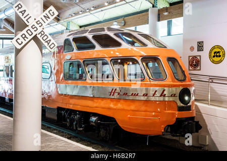 Daytona Beach Florida Museum of Arts & Sciences MOAS inside Hiawatha Seaboard Coastline Railroad Skytop lounge car - Stock Photo