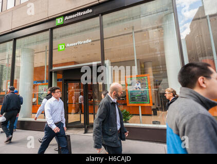 A TD Ameritrade Holding Corp. branch in New York on Monday, October 24, 2016. TD Ameritrade Holding will buy Scottrade - Stock Photo