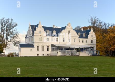 Kokkedal Castle Copenhagen a castle hotel in autumnal colours in Kokkedal / Mikkelborg between Copenhagen and Elsinore. - Stock Photo