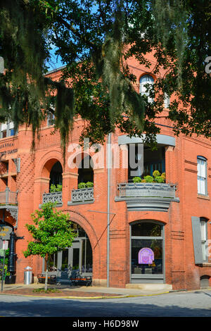 Savannah College of Art and Design's Poetter Hall is a Romanesque revival style structure in historical Savannah, - Stock Photo