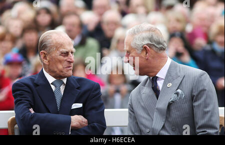 ALTERNATE CROP The Duke of Edinburgh (left) and the Prince of Wales, during a visit to Poundbury, a new urban development - Stock Photo