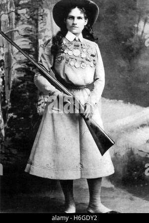 ANNIE OAKLEY (1860-1926) American sharpshooter about 1885