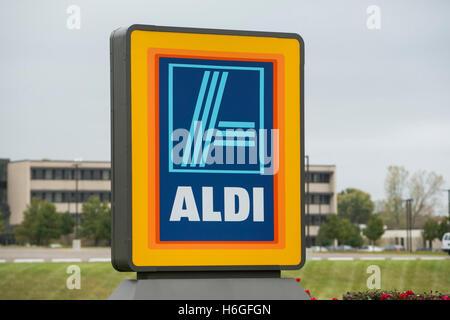 A logo sign outside of the ALDI US headquarters in Batavia, Illinois on October 15, 2016. - Stock Photo