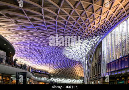 Kings Cross Station London UK Western Concourse by John McAslan + Partners built 2012 - Stock Photo