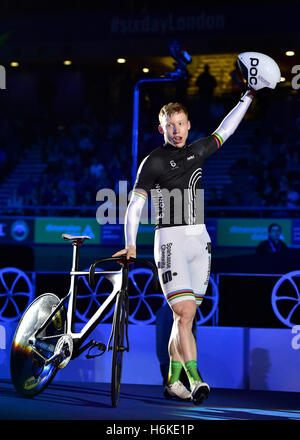 London, UK. 30th October, 2016.  Joachim Eielers poses at the Winner of Sprint at 2016 Six Day London on Day 6 at - Stock Photo