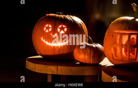 York, UK. 30th October, 2016. No more carved turnips in the UK as halloween pumpkin carving evolves into an art - Stock Photo