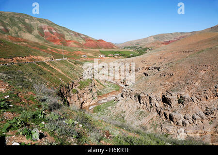 The remote farmers village of Langar in Uzbekistan. Het afgelegen dorp Langar in Oezbekistan. - Stock Photo