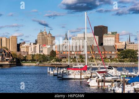 Basin Marina Park and city skyline, Buffalo, New York, USA. - Stock Photo