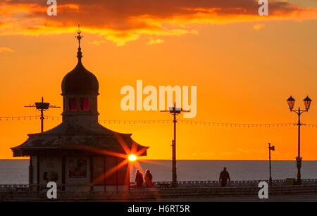 Blackpool, Lancashire, UK. 1st November, 2016. Sunset over Blackpool, Lancashire: UK Weather: 01/11/2016. After - Stock Photo