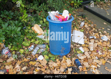 Overflowing litter bin, Sunderland, Tyne and Wear, England, UK - Stock Photo
