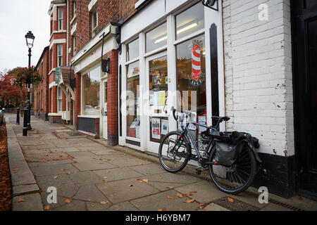 Tarporley village, Chesire high street shops - Stock Photo