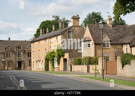 Residential homes in Chipping Campden, Gloucestershire, England UK - Stock Photo