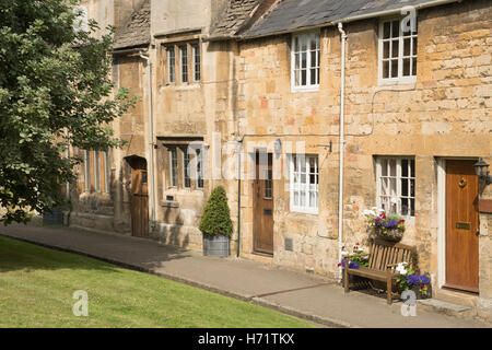 Residential homes on Leysbourne, Chipping Campden, Gloucestershire, England UK - Stock Photo
