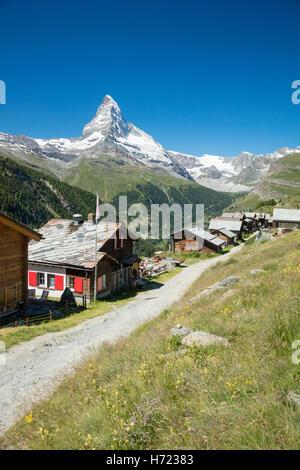 Findeln hamlet beneath the Matterhorn, Zermatt, Pennine Alps, Valais, Switzerland. - Stock Photo