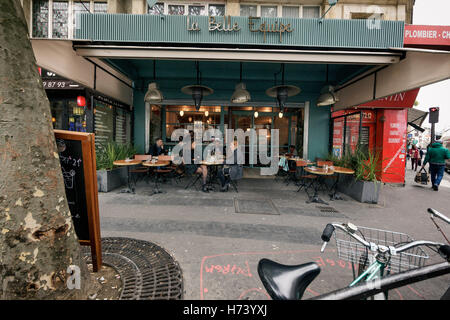 Paris, France. 19th Oct, 2016. Guests sit at the restaurant 'la Belle Equipe' in Paris, France, 19 October 2016. - Stock Photo