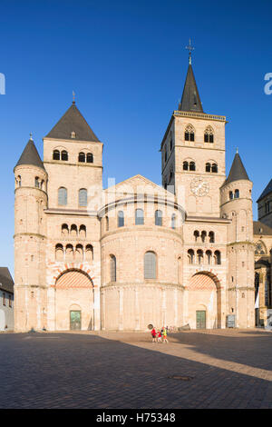 St Peter's Cathedral (UNESCO World Heritage Site), Trier, Rhineland-Palatinate, Germany - Stock Photo