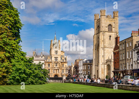 Kings Parade, Cambridge, in early autumn. Great St Mary's Church, Trinity College, the Senate House and Kings College - Stock Photo