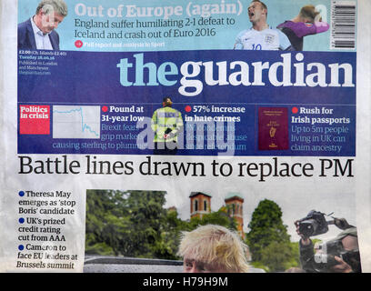 'Battle lines drawn to replace PM'  Guardian newspaper headlines 28 June 2016 after Prime Minister David Cameron's - Stock Photo