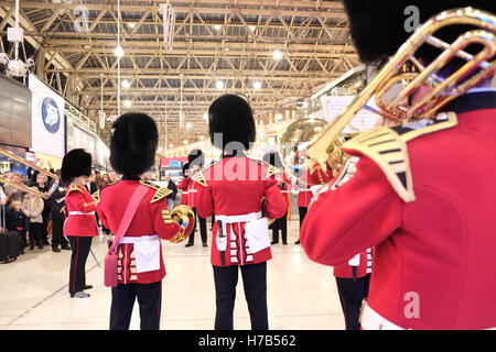 London, UK. 3rd November 2016. Military band at Waterloo Station for The Royal British Legion's London Poppy Day - Stock Photo